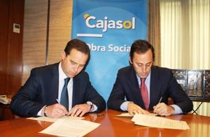 La AFA firma un convenio con Cajasol