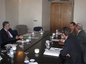 La Comisión Ejecutiva de la Junta Directiva celebra una reunión