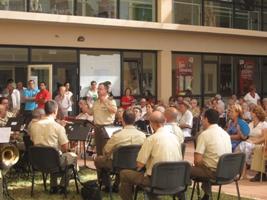 Más de 150 asistentes en el concierto de música para los residentes de Doña María