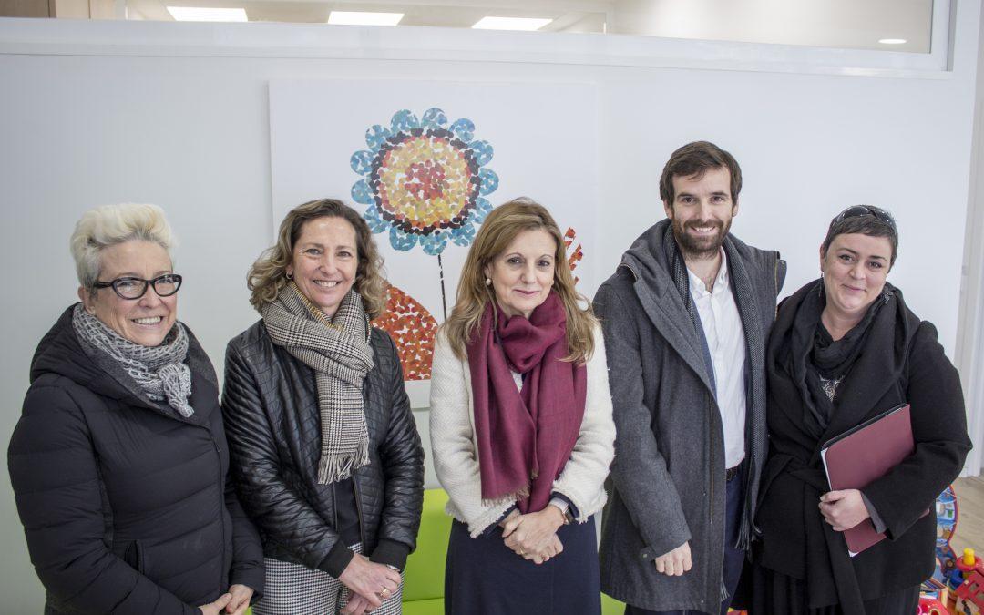 La Consejera de Salud visita el Centro CAIT SCENA de Autismo Sevilla