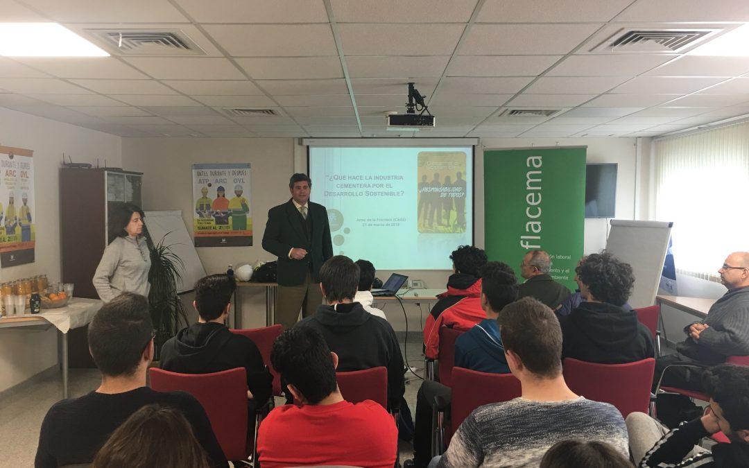 Alumnos del IES Fernando Savater de Jerez participan en una jornada sobre Desarrollo Sostenible