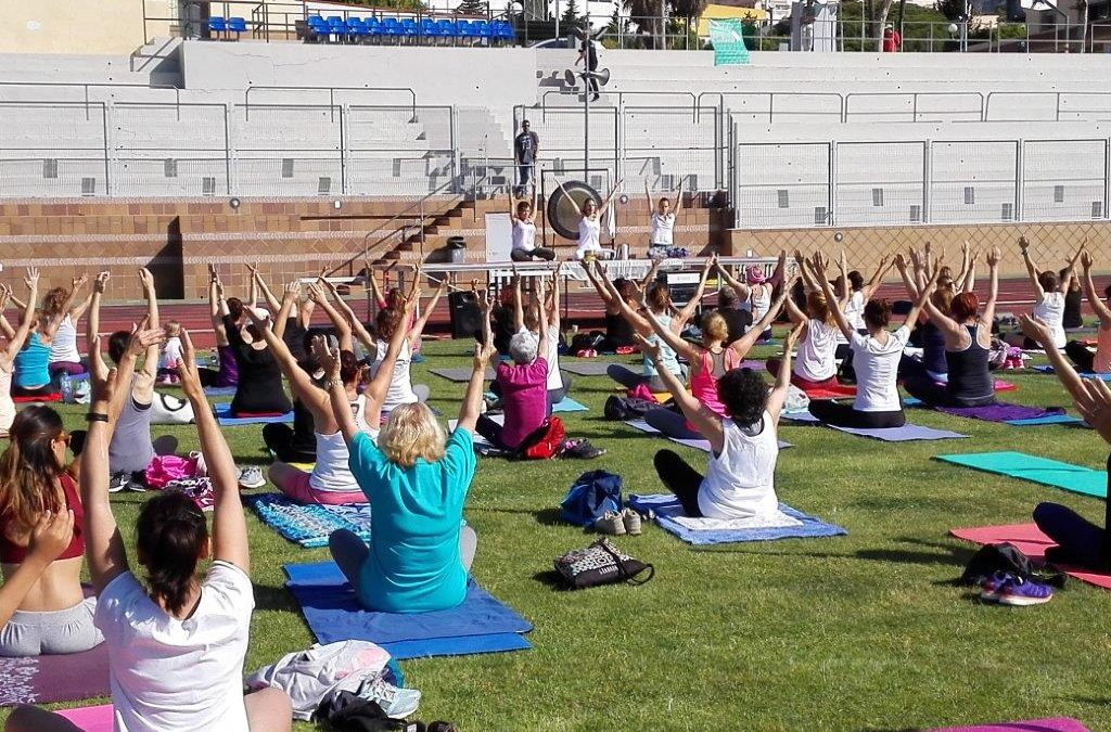 El Yoga Solidario recauda 600€ para CUDECA - AFA - Asociaciones y ... ad37321eefe7