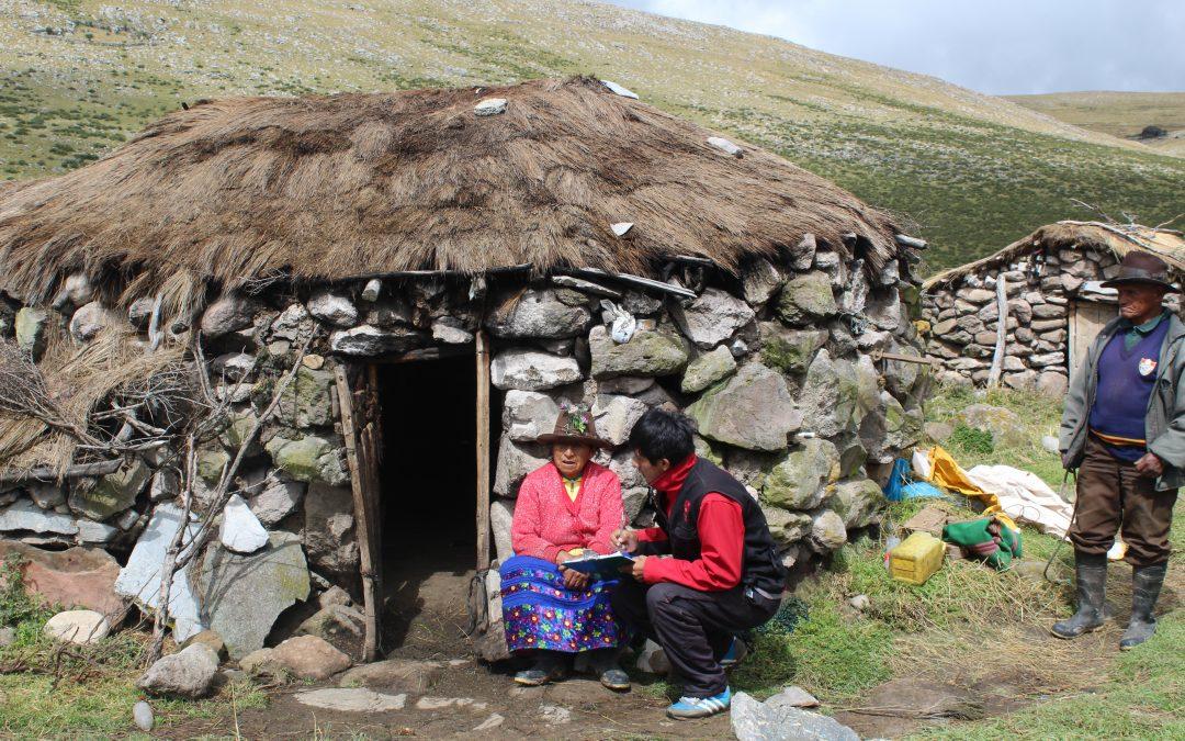 Madre Coraje, el Ayuntamiento de Cádiz y 26 familias peruanas combaten la dureza climatológica