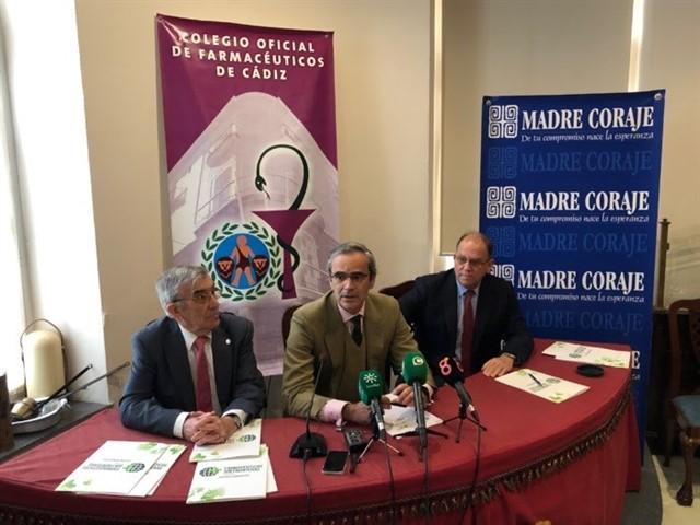 Farmacéuticos Sin Fronteras y Madre Coraje firman un convenio para suministrar medicamentos a 38.000 personas empobrecidas en Perú