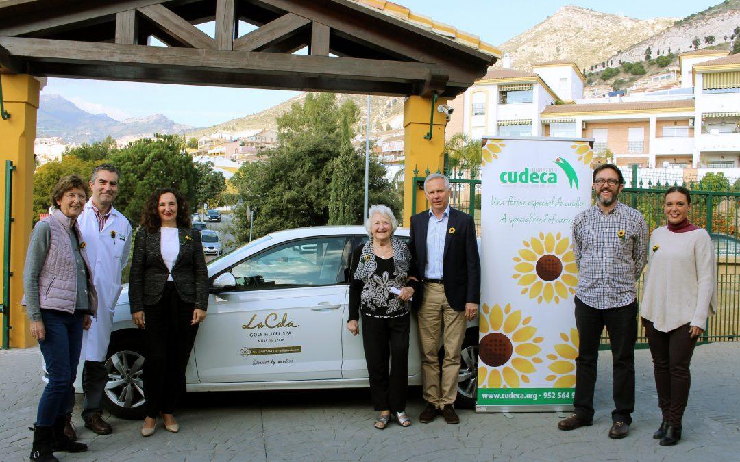 Presentan el coche para el equipo asistencial de CUDECA patrocinado por La Cala Golf y sus socios