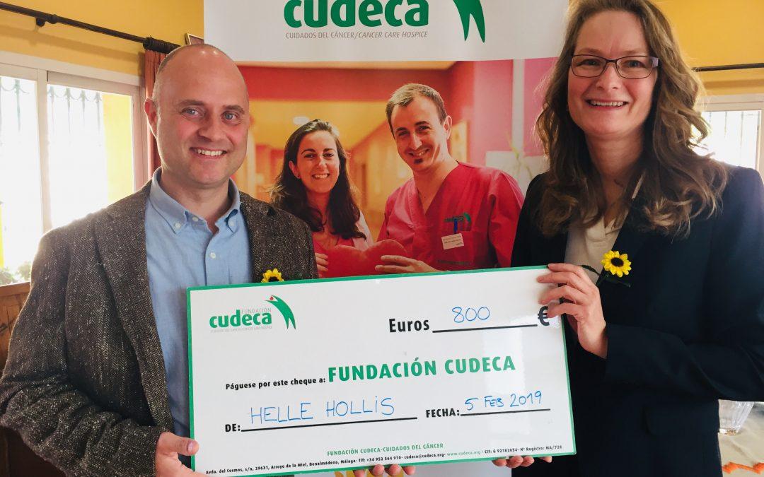Helle Hollis presenta su donación anual  después de 9 años ayudando a CUDECA