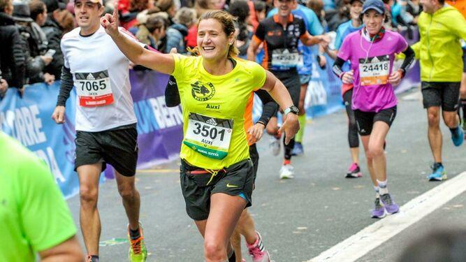 Auxi Martínez de Salazar, la corredora que disputará su sexto maratón por la Asociación Pequeña Nowina