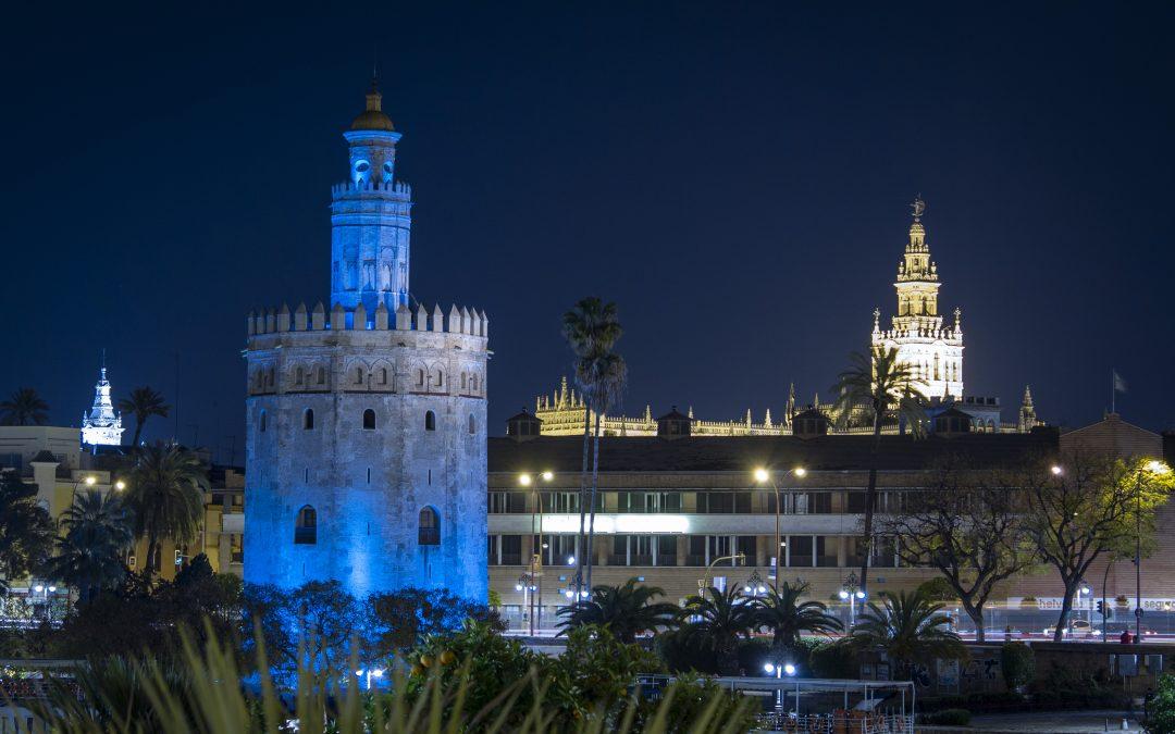 La Torre del Oro se vistió de azul por el Día Mundial del Autismo
