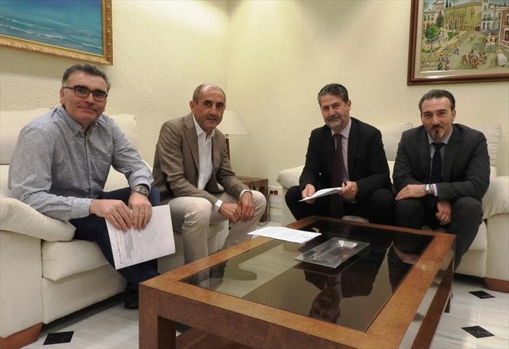 FSU firma un convenio con Fundación Cajasur para la mejora de las instalaciones de la Casa Joven