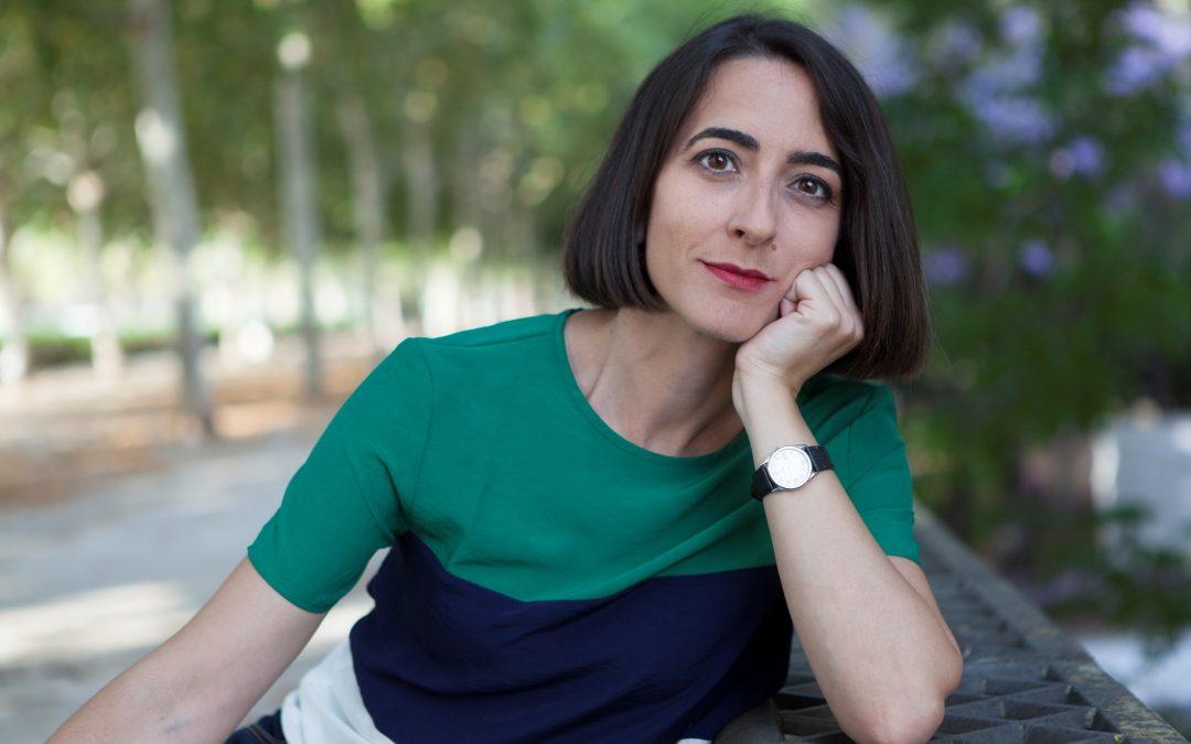 La periodista María Iglesias gana el VII Premio de Narrativa Francisco Ayala con 'Plata', un relato sobre el bullying