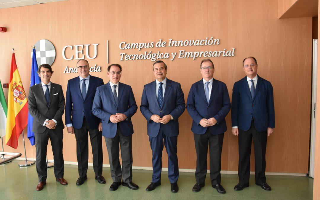 El presidente de CEA, Javier González de Lara, visita el Campus CEU Andalucía