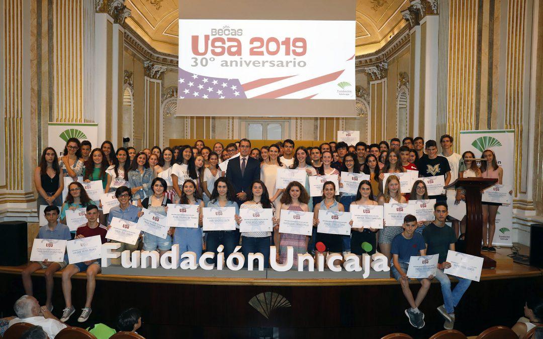 Fundación Unicaja hace entrega de sus 'Becas USA 2019' para la inmersión lingüística, que este año cumplen tres décadas