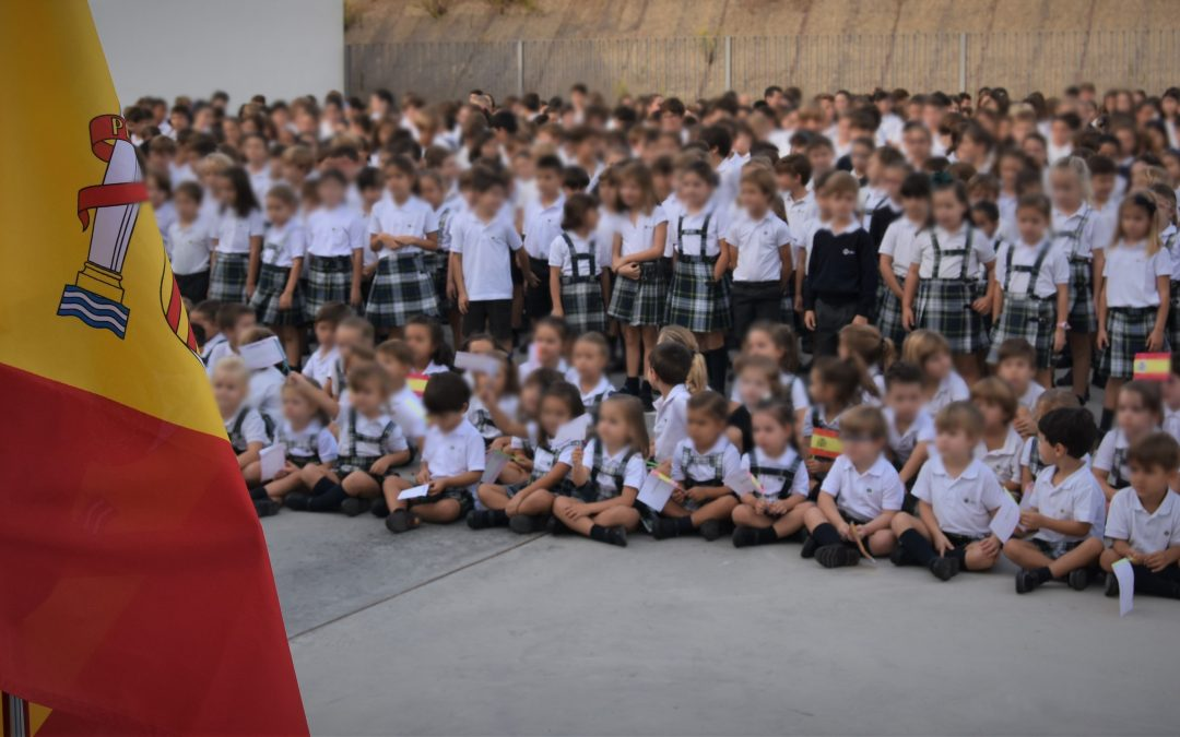 El Colegio CEU San Pablo Sevilla conmemora el Día de la Fiesta Nacional