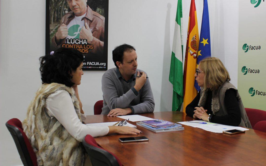 El coordinador de transportes de la asociación brasileña IDEC Rafael Calabria visita FACUA y su Fundación