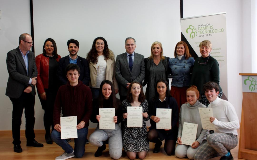 Dos estudiantes de Algeciras reciben una beca de estancia en los Centros Nacionales de Investigación CNIO y Fidamc