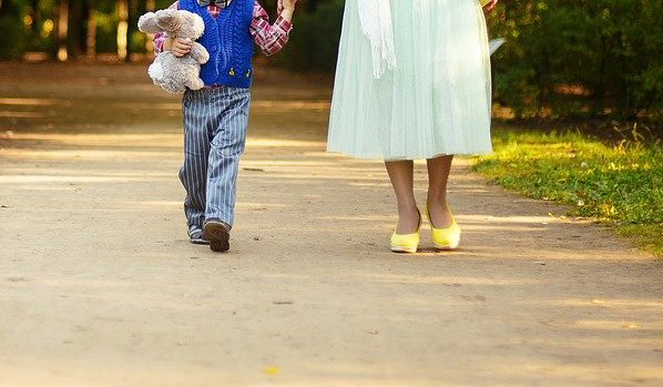 El Gobierno habilita que las personas con autismo puedan salir a la calle acompañadas por una persona