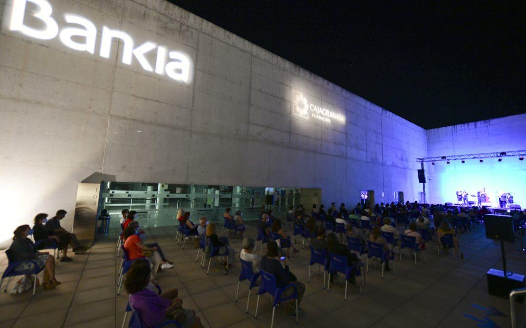 5.000 personas disfrutaron del cine y de la música en directo en el Centro Cultural CajaGranada