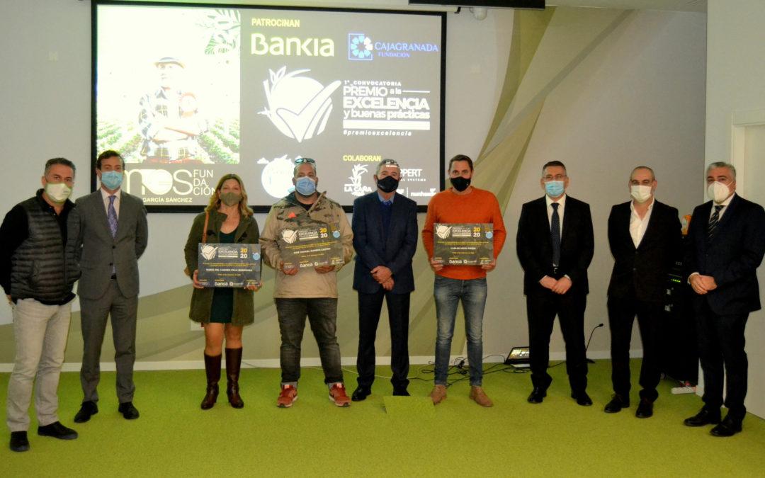 Bankia, CajaGranada Fundación y la Fundación Miguel García Sánchez entregan a 10 agricultores el 'I Premio a la Excelencia y Buenas Prácticas'