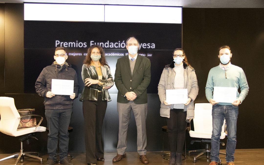 Entrega de los Premios Fundación Ayesa a los mejores expedientes académicos del IES Polígono Sur