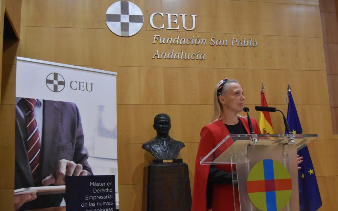 """""""Necesitamos contar con profesionales que lideren hoy la implantación tecnológica en la empresa"""". Carolina Wisner, experta en Derecho y Nuevas Tecnologías de CEU Andalucía"""