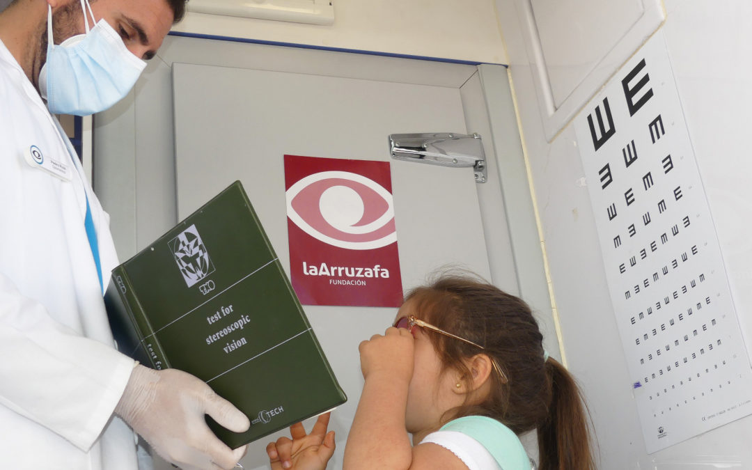 Fundación La Arruzafa, con la colaboración de Caixabank y el Ayuntamiento de Córdoba, revisa la salud ocular de medio millar de escolares