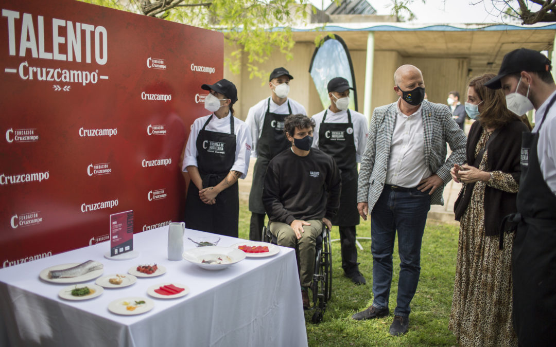 Cisco García y los participantes de Talento Cruzcampo diseñan una receta con mucho acento para los JJOO de Tokio