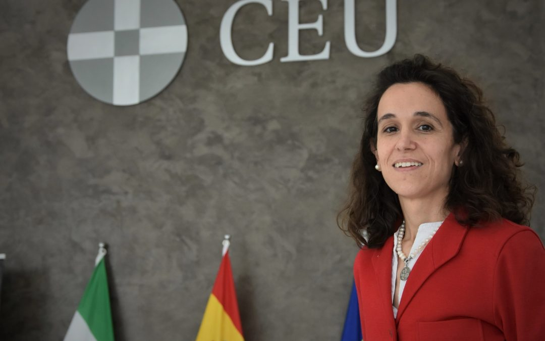"""Elena Rodríguez, jefa de Estudios de Bachillerato del Colegio CEU San Pablo Sevilla: """"Invitamos a nuestros alumnos a preguntarse cuáles son las aportaciones que desean hacer a la sociedad"""""""