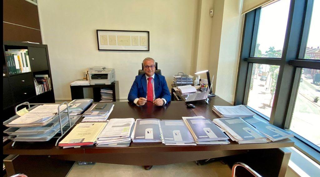 """Manuel Pérez-Recacha García, fundador de Recacha Abogados: """"Los alumnos del Centro de Estudios Profesionales CEU tienen un alto de grado de responsabilidad, buena base y preparación académica"""""""