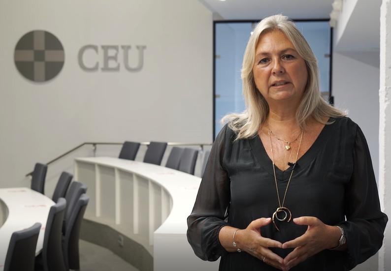 """Ana Ochoa, coordinadora del Grado en Derecho de Cardenal Spínola CEU: """"Es importante motivar al alumno, concienciándole de que lo que estudia es la base de su futura actividad profesional"""""""