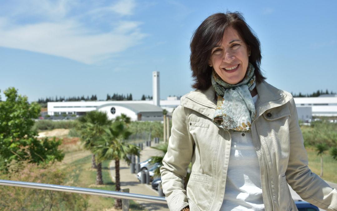 """Rosario Bracho, docente del Centro de Estudios Profesionales CEU: """"Formamos a los alumnos desde un punto de vista integral, los preparamos para afrontar los retos del futuro"""""""