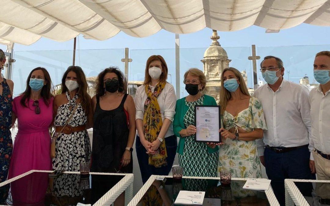 FEPROAMI recibe el Certificado de la NORMA ONG Calidad de manos de ICONG