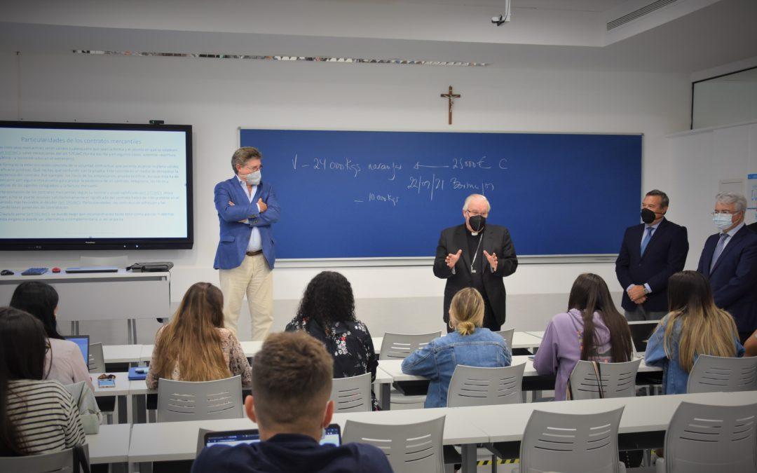 El arzobispo de Sevilla visita el Campus CEU Andalucía
